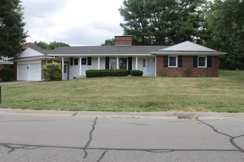 ON CONTRACT….301 Highland Dr., Boonville, MO 65233  $129,900.00