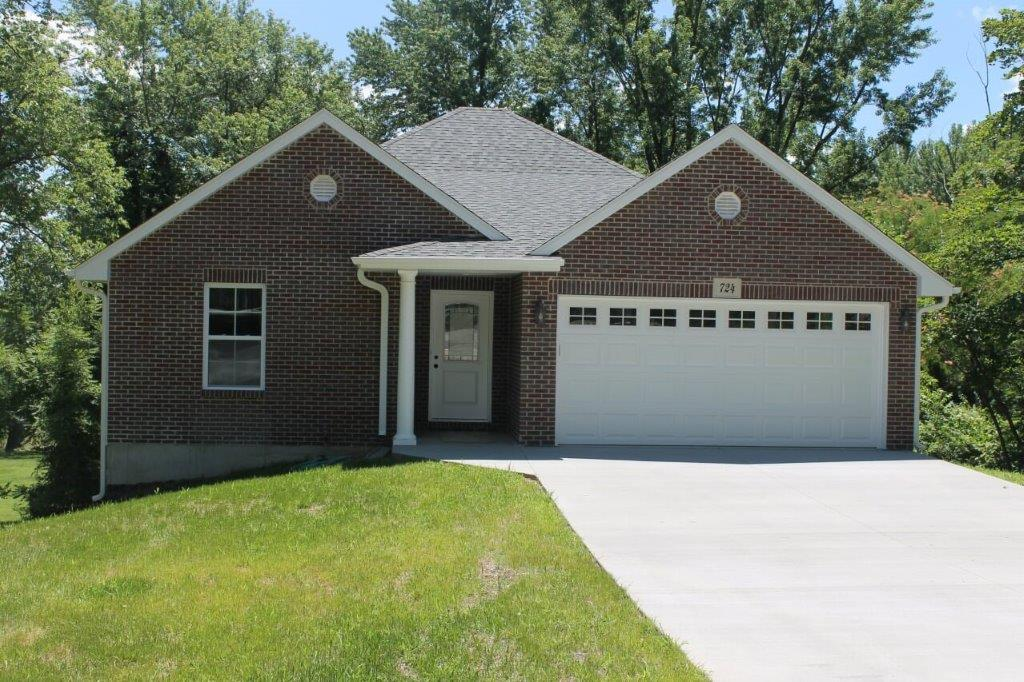 OPEN HOUSE!   December 8, 2018 @ 10:00 to 12:01 pm $179,900.00……..724 Santa Fe Trail, Boonville, MO 65233