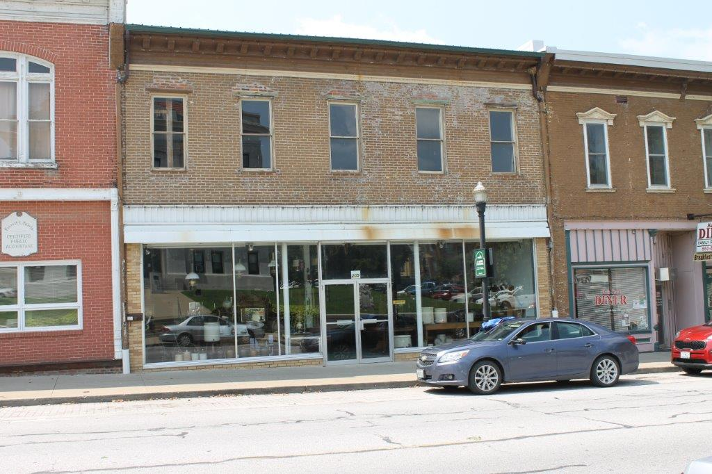 205 Main Street, Boonville, MO  65233      $50,000.00  SOLD 2018