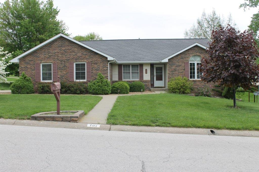ON CONTRACT!$199,900.00….701 Carla Dr., Boonville, MO 65233