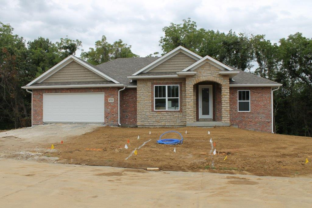 NEW CONSTRUCTION 1711 Daniel Boone Lane, Boonville, MO 65233