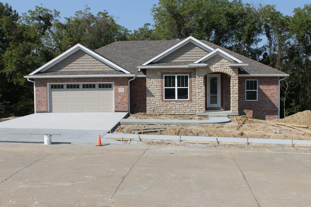 $272,500.00….NEW CONSTRUCTION 1711 Daniel Boone Lane, Boonville, MO 65233