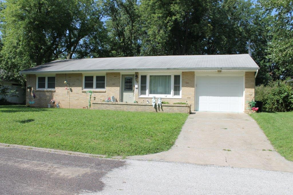SOLD 2019!!!$115,000.00….107 Pawnee Lane, Boonville, MO 65233