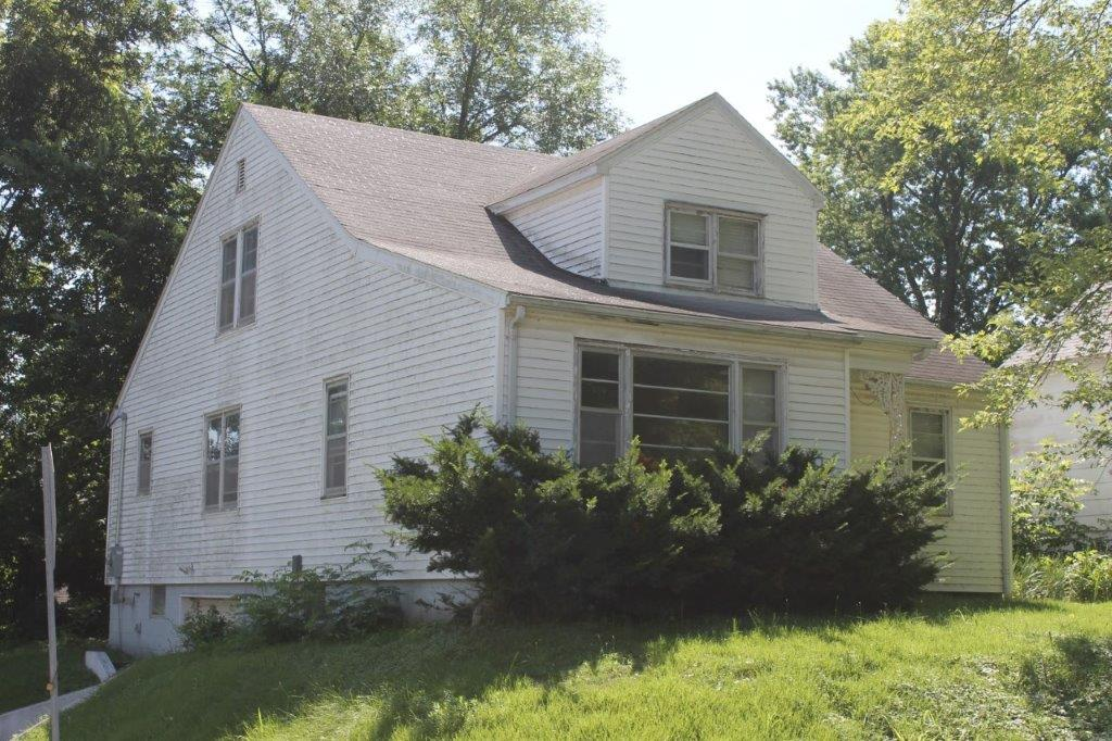 $67,000.00….100 Bell St., Boonville, MO 65233